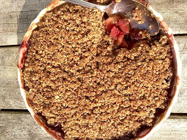 blackberry-pear-and-apple-crumble-gluten-dairy-and-refined-sugar-free/