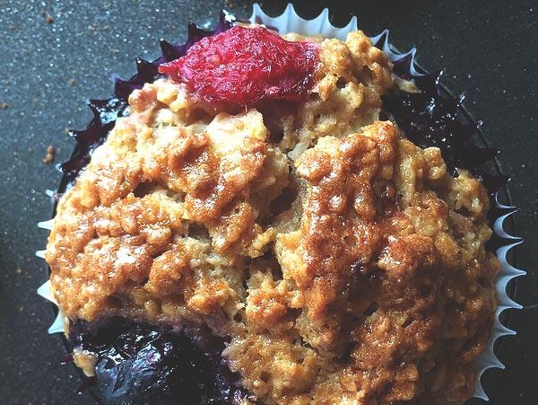 raspberry-almond-muffins
